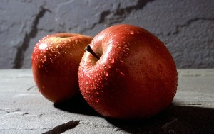 pom1024px-Fuji_apple
